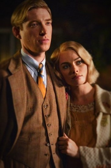 domhnall-gleeson-as-alan-milne-and-margot-robbie-as-daphne-milne-in-the-film-untitled-a-a-milne-photo-by-david-appleby-c2a9-2017-fox-searchlight-pictures41-2